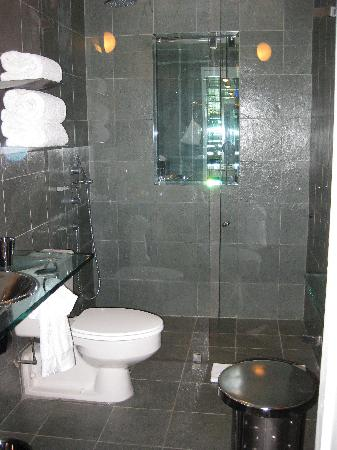 Slate bathroom picture of royalton new york hotel new for Bathrooms in nyc