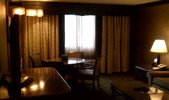 Parlor suite living room fotograf a de golden nugget hotel las vegas tripadvisor for Golden nugget 2 bedroom parlor suite