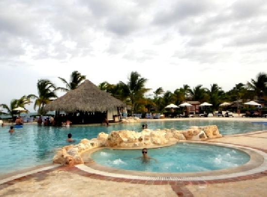 Sanctuary Cap Cana by AlSol: Piscinas do Hotel