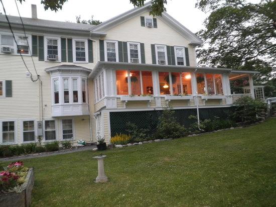 Holbrook House : side view