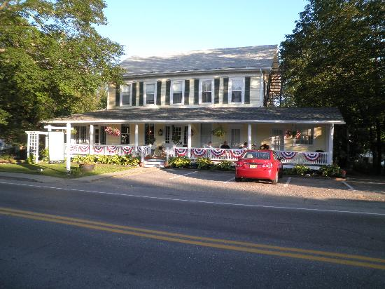 Holbrook House: front view
