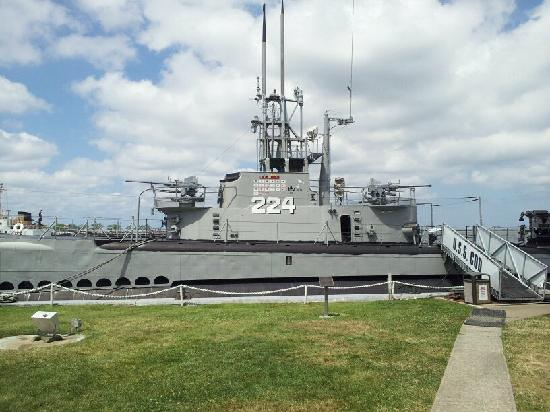 USS Cod Submarine Memorial: USS COD