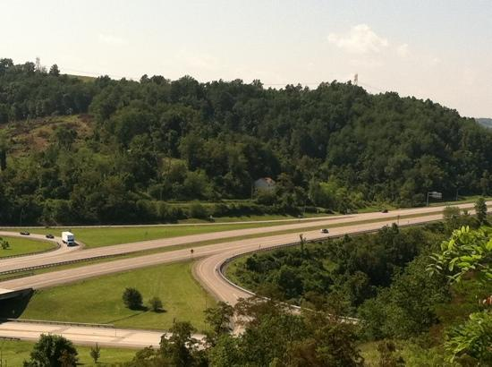 Fairfield Inn & Suites Morgantown: highway from back of hotel