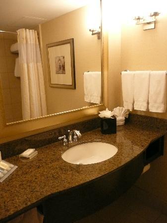 Hilton Garden Inn Washington DC / Bethesda: Lovely, clean bathrooms!