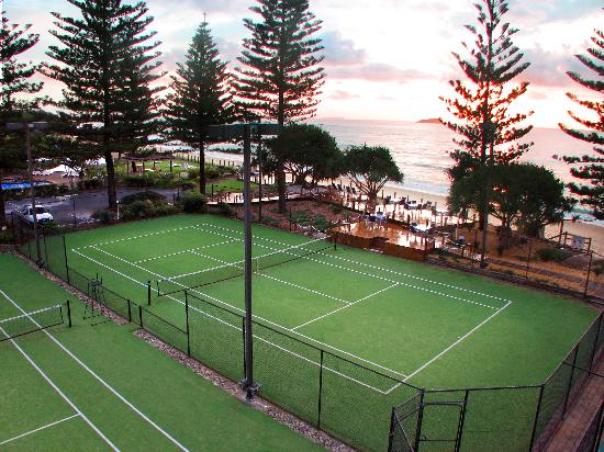 Nautilus Beachfront Villas & Spa: Tennis Courts