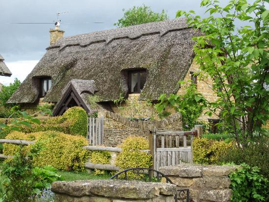 The Chance: Typical Chipping Camden cottage