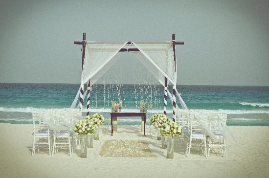 Le Blanc Spa Resort Cancun Wedding Setup