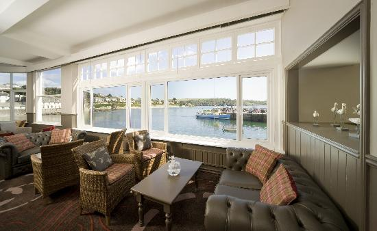 The Ship and Castle Hotel: Refurbished Sea View Lounge at the Coast & Country Ship & Castle Hotel