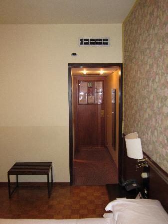 Hotel Star: R30 room entrance