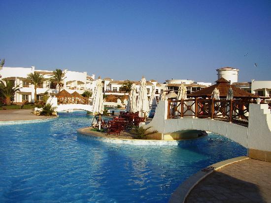 Grand Seas Resort Hostmark: Scorcio della grande piscina