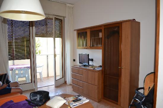 Soggiorno Con Divano : soggiorno con divano : Hotel Parioli Soggiorno ...