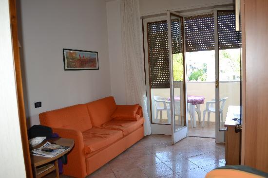 Soggiorno Con Letto : Soggiorno con divano letto 2 - Foto di Hotel ...