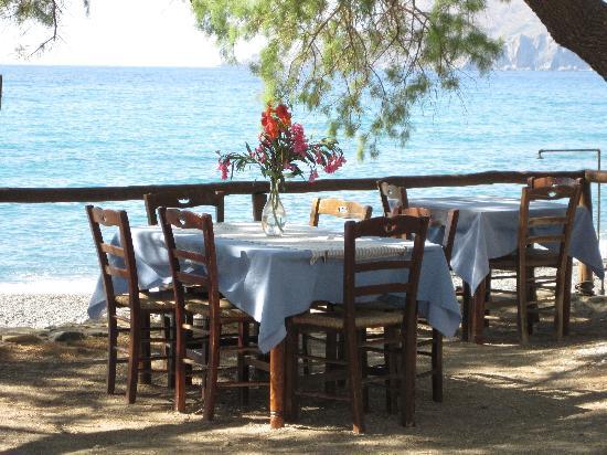 Sunset sfinari Fish Restaurant : My favourite table