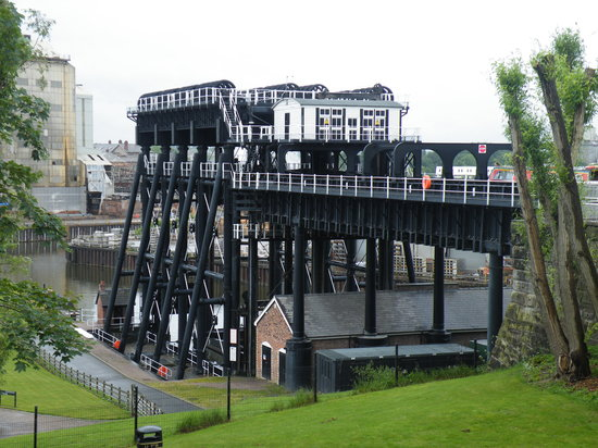 Northwich, UK: Lift from above.