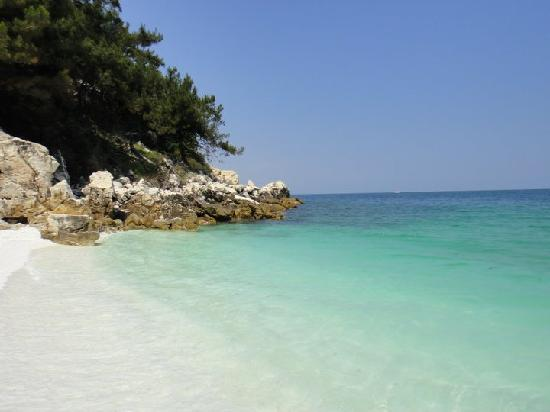 Skala Prinou, Yunani: White sand, incredible water