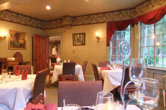 Glen Iris Inn: pretty Caroline's