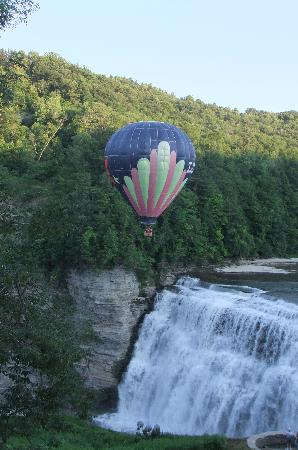Glen Iris Inn: Hot Air Balloon
