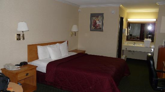 Comfort Inn Near Old Town Pasadena in Eagle Rock CA: Room
