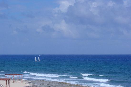 Luxury Bahia Principe Akumal Don Pablo Collection : the fabulous beach at our resort