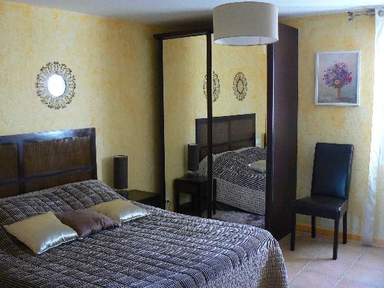 excellent h bergement avis de voyageurs sur une chambre aux poulains sauzon tripadvisor. Black Bedroom Furniture Sets. Home Design Ideas