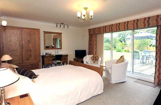 Whitehall Lodge : Master suite and Family Room