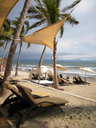 Marival Residences Luxury Resort Nuevo Vallarta: VIP beach club