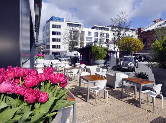 Terrasse Des 25hours Esszimmerm Im 25hours Hotel Hambirg No.1. 25hours  Esszimmer