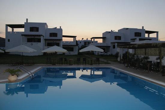 Hotel Vina: pool - hotel