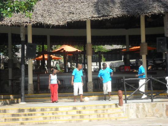 Baobab Beach Resort & Spa: une partie de l équipe d animation