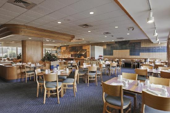 Days Inn & Suites Elyria: Mr. D's Restaurant & Pub