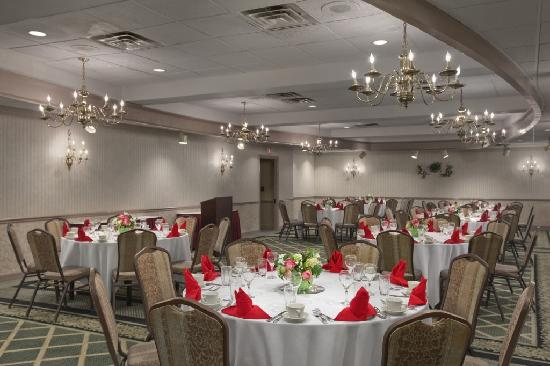 Days Inn & Suites Elyria: Banquet Room