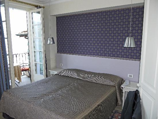 Hotel Cannero: Schlafzimmer der Suite 336