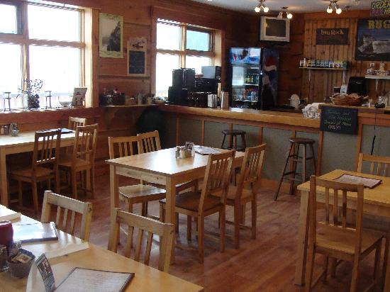 Golden Hostel, Kicking Horse River Lodge: Bugaboo Cafe