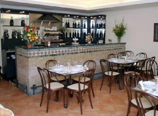 Neapolis Hotel: breakfast