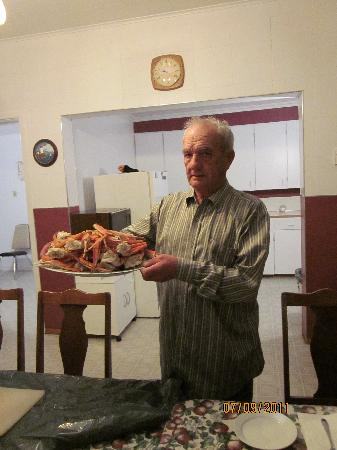 Bonavista, Canada: Albert - holding a few crab legs for the evening snack