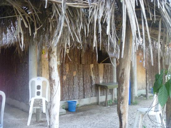 Pepes Cabanas Surf Camp: bungalows