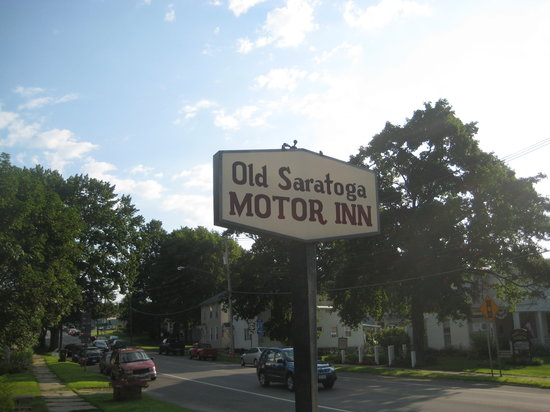 Old Saratoga Motor Inn: sign
