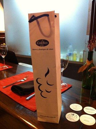 Corchos Bistro y Boutique de vinos: wine packaged to take traveling