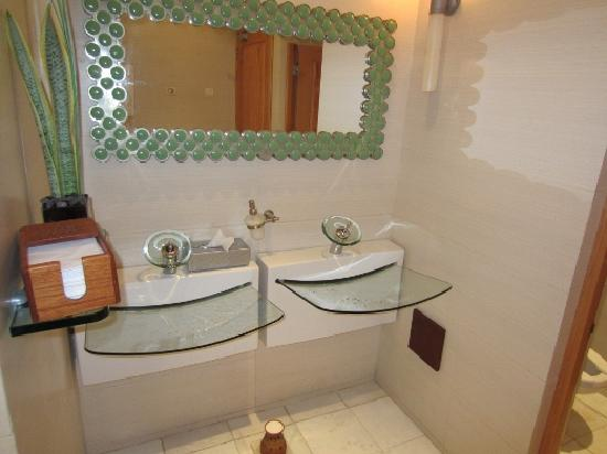 Iberostar Grand Hotel Paraiso: Our vote for coolest restroom