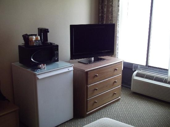 Holiday Inn Burbank: tv area