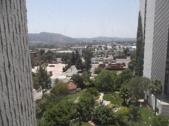 هوليداي إن بربانك - ميديا سنتر: view from room