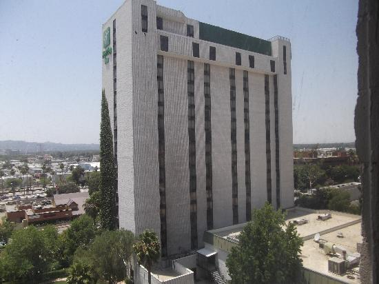 Holiday Inn Burbank: suite tower
