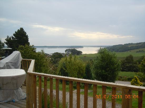 Strathview Lodge Bed and Breakfast: View from the Family room over Loch Fleet