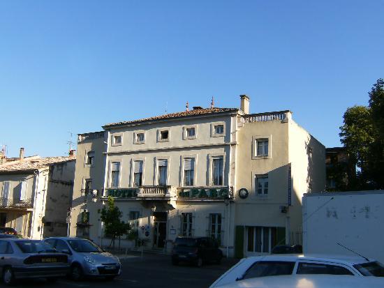 HOTEL DU PARC : Exterior of hotel