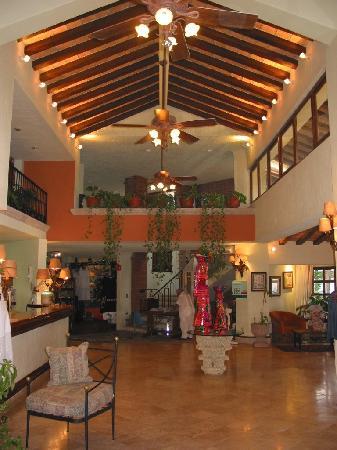 Lobby Hotel Garza Canela