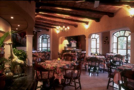 Restaurant El delfin en el Hotel Garza Canela