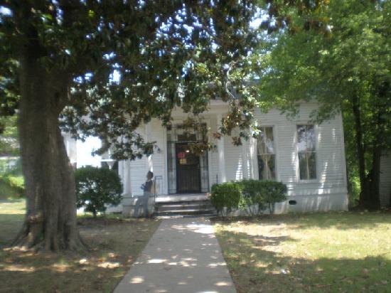 Slave Haven / Burkle Estate Museum: house