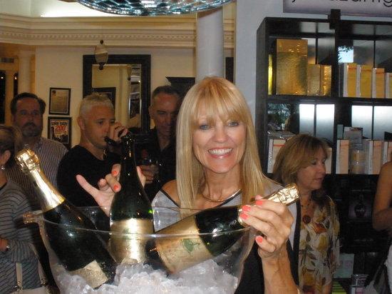 33rd Street Wine Bar: Champagne