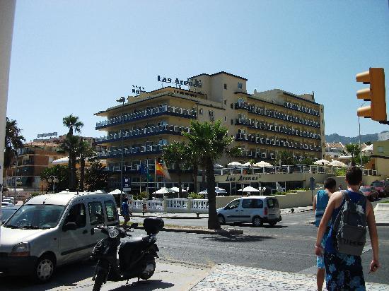 Las Arenas Hotel: Hotel from beach