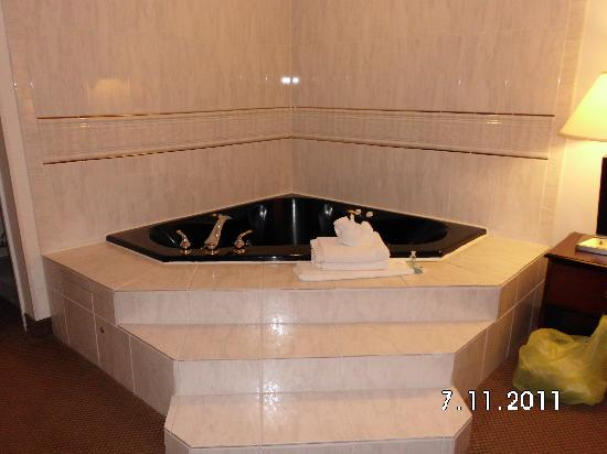 Tub Picture of BEST WESTERN Garden State Inn Absecon TripAdvisor